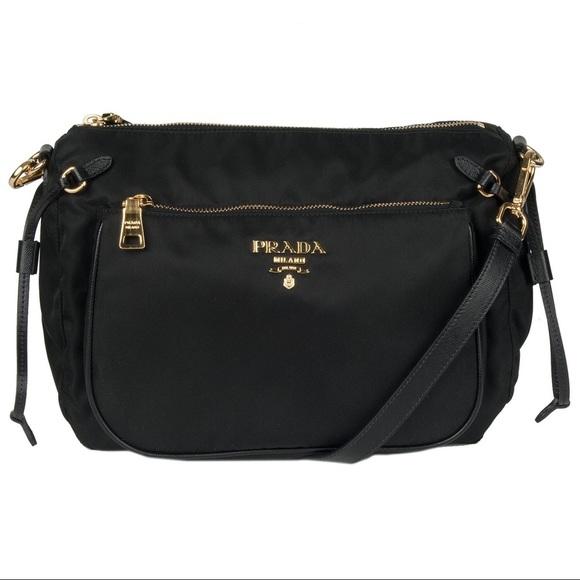 8137269f9fd5 Prada  Tessuto   Saffiano  Nylon Messenger Bag. M 5b11fafc5c44527abf21761b